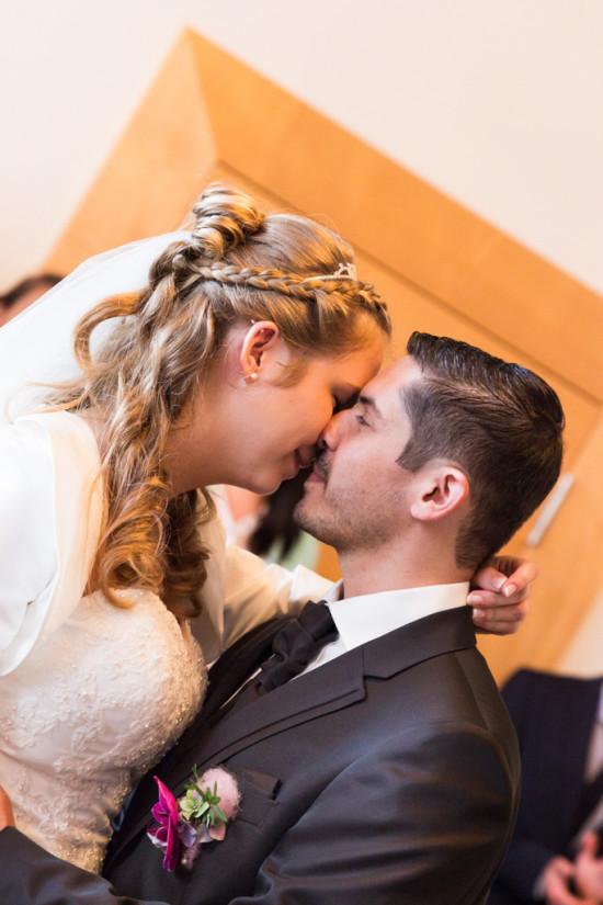 Daniela Andreas Hochzeitsreportage Hochzeit Reportage Wedding Trauung Standesamt Kuss - Diana Jill Fotografie Fotograf Paderborn Salzkotten