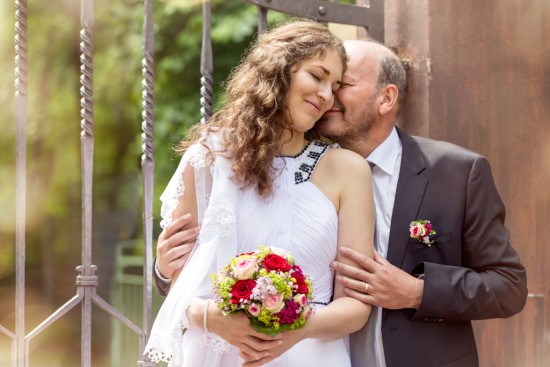 Iva Berthold Hochzeit Schützenhof Rosen Liebe Portrait Hochzeitsfotograf Fotograf - Diana Jill Fotografie Paderborn