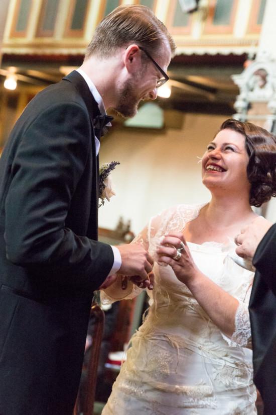 Juliane Tristan Reportage Hochzeit Kirche Emotion Ringtausch Ringe Fotograf Bückeburg - Diana Jill Fotografiie
