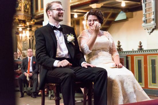 Juliane Tristan Reportage Hochzeit Kirche Emotion Tränen Brautpaar Fotograf Bückeburg - Diana Jill Fotografiie