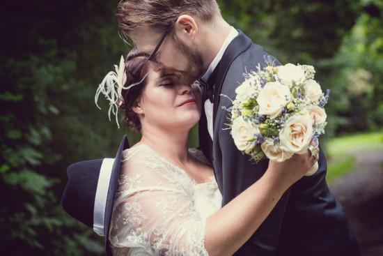 Juliane Tristan Vintage Hochzeit 20er Jahre Paar Shooting Liebe Dunkel Wedding Fotograf - Diana Jill Fotografie Bückeburg Paderborn
