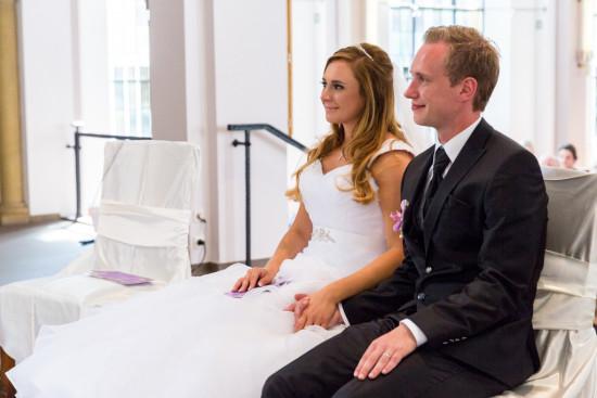 Michelle Dusty Hochzeit Kirche Brautpaar Hochzeitspaar Fotograf Hochzeitsfotograf Gütersloh Paderborn - Diana Jill Fotografie