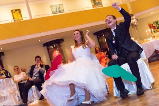 Michelle Dusty Hochzeit Party Stüwe Feier Spiel Hochzeitspaar Fotograf Hochzeitsfotograf Gütersloh - Diana Jill Fotografie