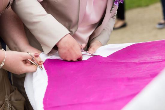 Ramona Mandy Hochzeitsreportage Hochzeit Wedding Herz schneiden - Diana Jill Fotografie Fotograf Paderborn Rheder