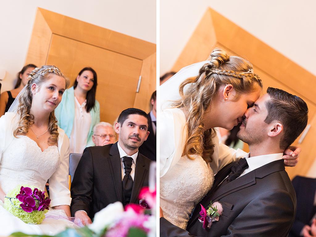 Daniela Andreas standesamtliche Hochzeit Standesamt Paderborn Brautpaar Kuss Trauung Hochzeitsreportage Reportage Fotograf - Diana Jill Fotografie
