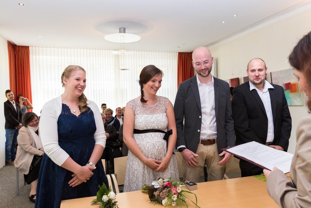 Hochzeitspaar Brautpaar Fotograf Hochzeit Kreis Gütersloh Standesamt Hochzeitsfotograf Kreis Paderborn - Diana Jill Fotografie