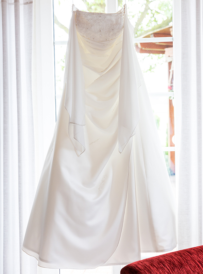 Hochzeit Hochzeitsshooting Shooting Kleid Brautkleid Braut Hochzeitsfotograf Fotograf Paderborn Bielefeld Gütersloh Harsewinkel Diana Jill Fotografie