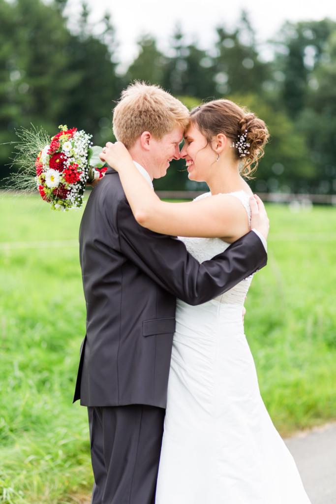 Paarshooting-Pärchenshooting-Shooting-Hochzeitsfotograf-Hochzeitsfotos-Hochzeitsreportage-Fotograf-Paderborn-Altenbeken-Steinheim-Schweiz-OWL